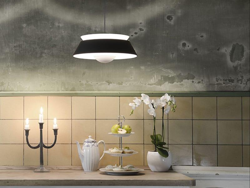 02035_VITA_Cuna_black_kitchen_environment_72dpi_RGB-800x600