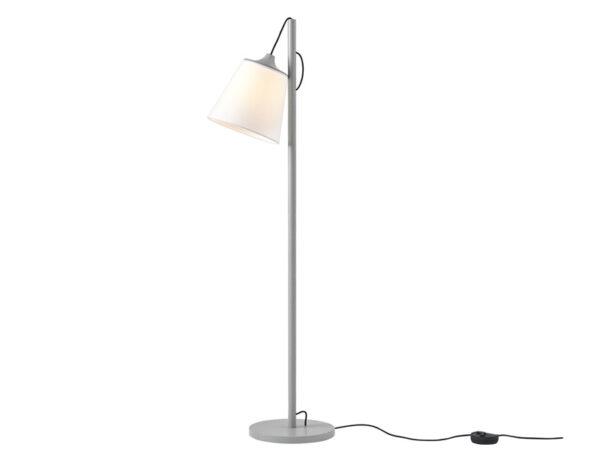 Lampadaire PULL FLOOR LAMP BOIS GRIS ALLUME_12045 muuto