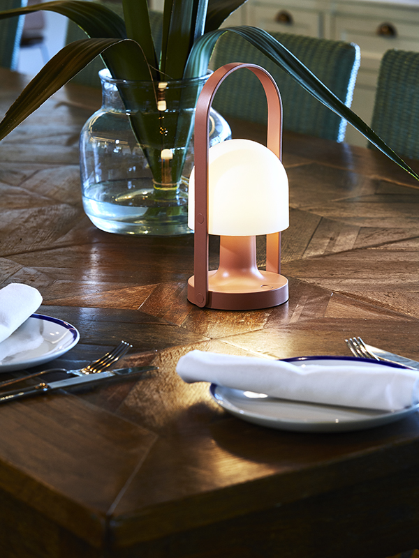 Ambiance lampe nomade FOLLOW ME TERRACOTTA_A657-022_1 marset