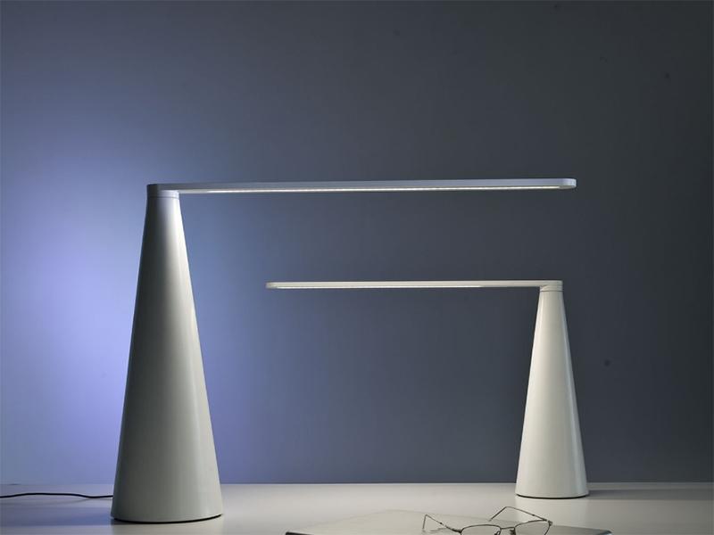 Ambiance lampes de bureau ELICA BLANC_807-BI & 807-J-BI_1 martinelli luce