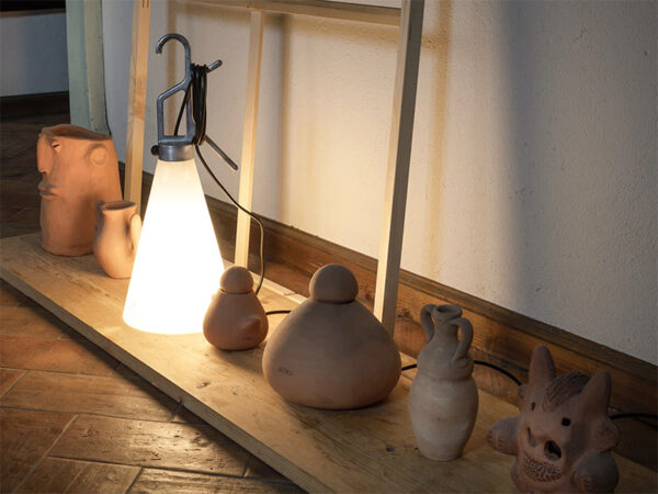 Ambiance lampe de table ou de sol MAYDAY NOIR_F3780030 flos