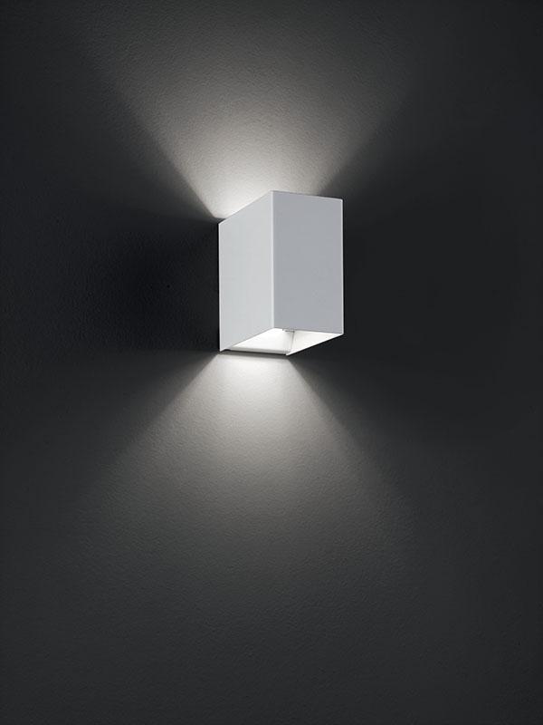 Aperçu applique à faisceaux led 3000°k LASER 10X6 BLANC allumée_036023 studio italia design