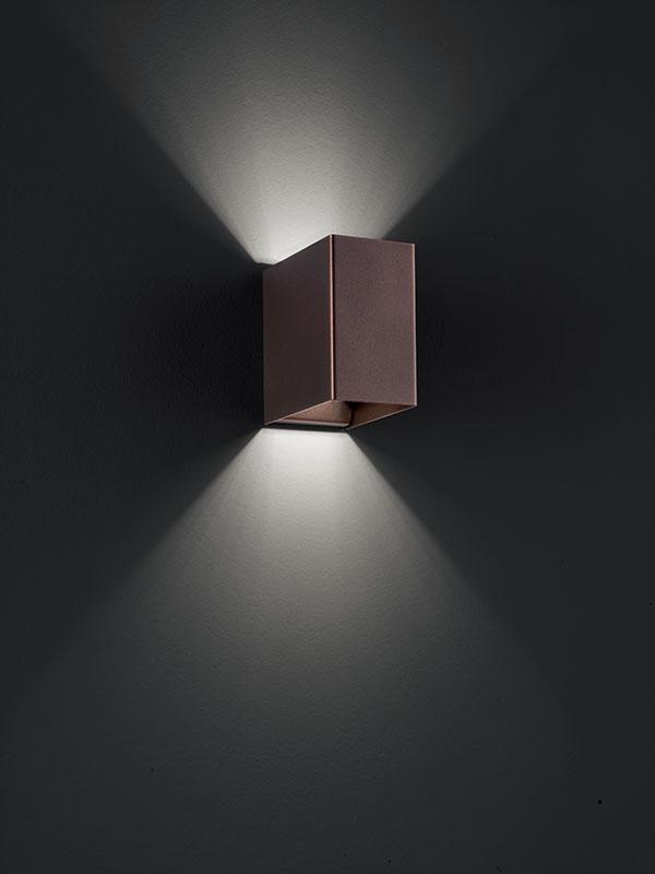 Aperçu applique à faisceaux led 3000°k LASER 10X6 CUIVRE BRONZE allumée_036024 studio italia design