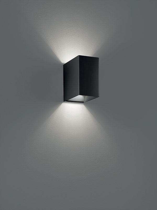 Aperçu applique à faisceaux led 3000°k LASER 10X6 NOIR allumée_036031 studio italia design