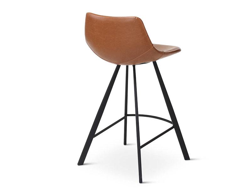 Chaise de bar ALICIA COGNAC, pieds en métal noir (profil arrière droite)_1238 castle line