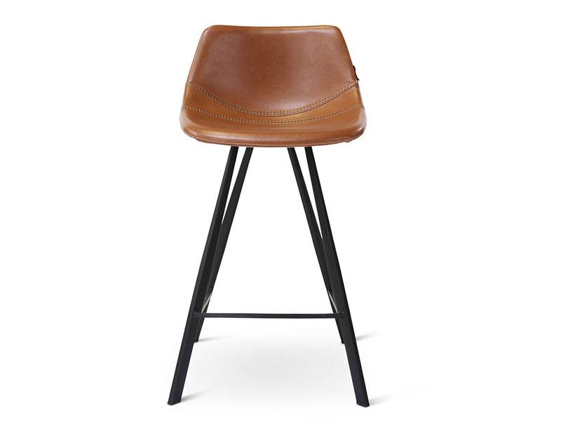 Chaise de bar ALICIA COGNAC, pieds en métal noir (vue de face)_1238 castle line
