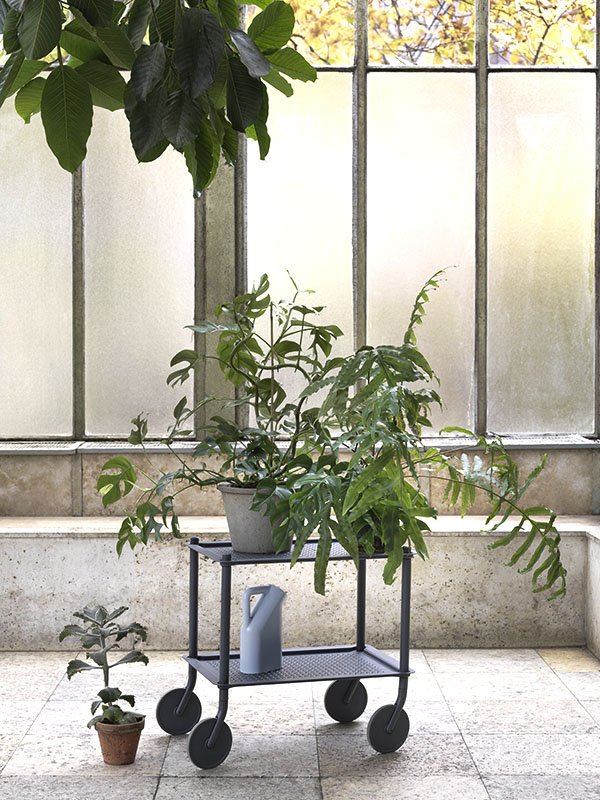 Ambiance chariot FLOW TROLLEY 2 TABLETTES BLEU GRIS_98337 (1) muuto