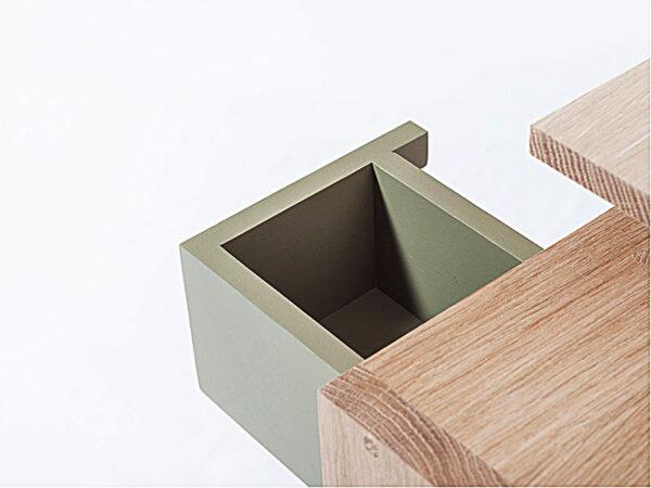 Détail bout de canapé ou chevet GLYCINE_GLYBC N°6 VERT GRIS MANOIR (1) drugeot manufacture