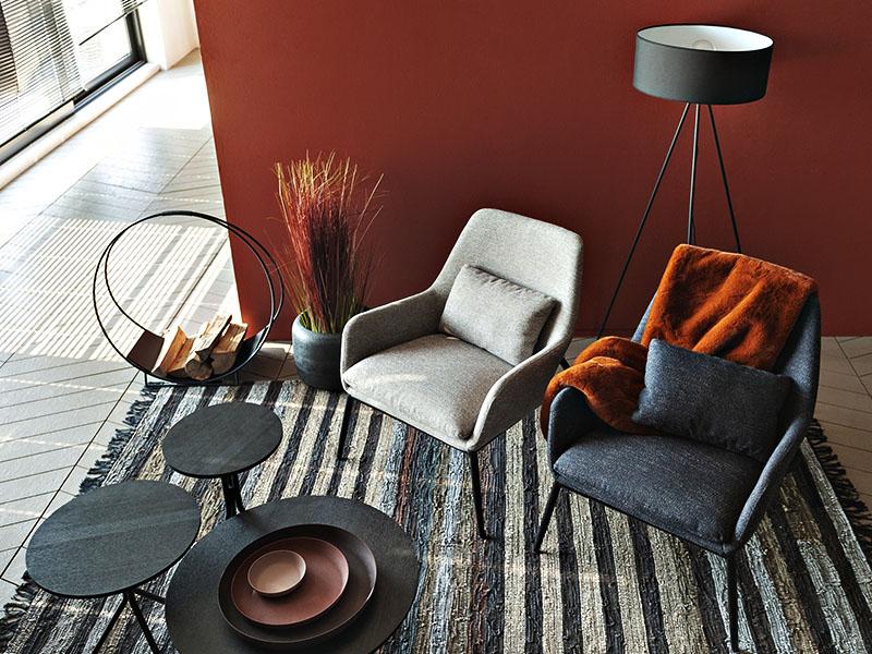 Ambiance fauteuils scandinave en métal et tissu sable & anthracite HAILEY (1) pomax home collection