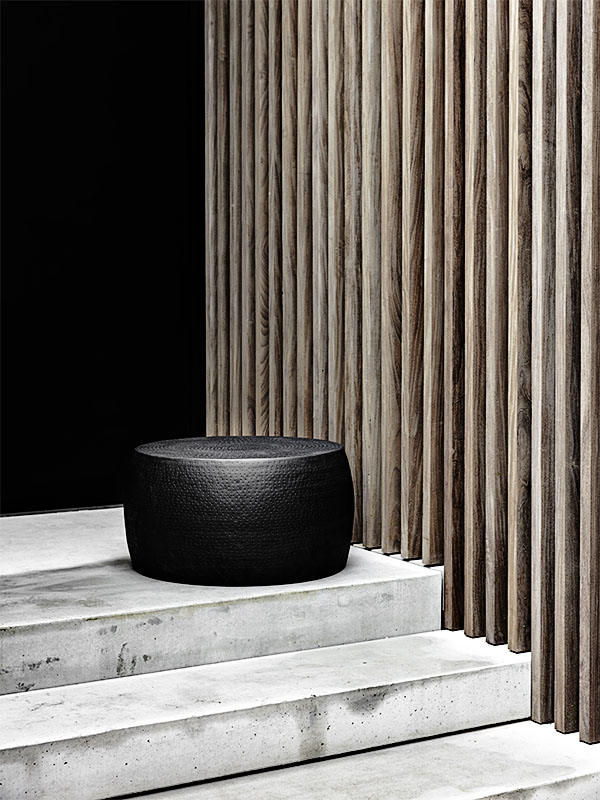 Ambiance table basse en métal perforé ESTHER NOIR_38537-BLA-15 (1) pomax home collection