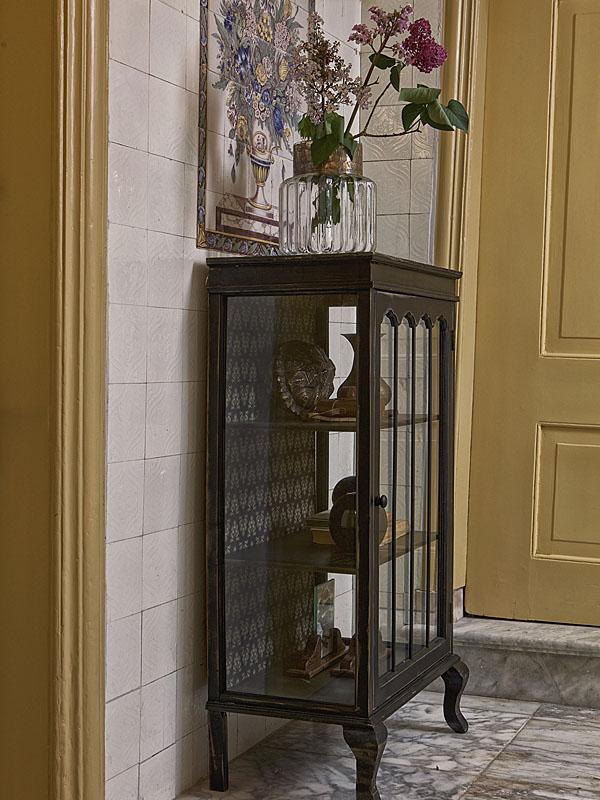 Ambiance vitrine en bois noir ODD (1)_800808-Z woood