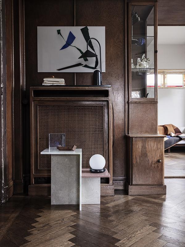 Ambiance lampe de table en marbre et métal ARUM TABLE LAMP BLACK_100134101_5 ferm living