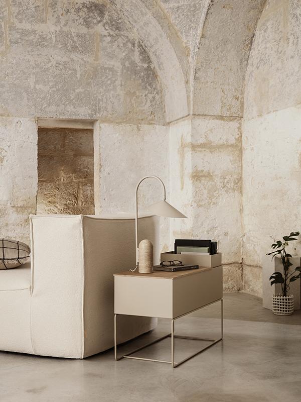 Ambiance lampe de table en marbre et métal ARUM TABLE LAMP CASHMERE_110168693_1 ferm living